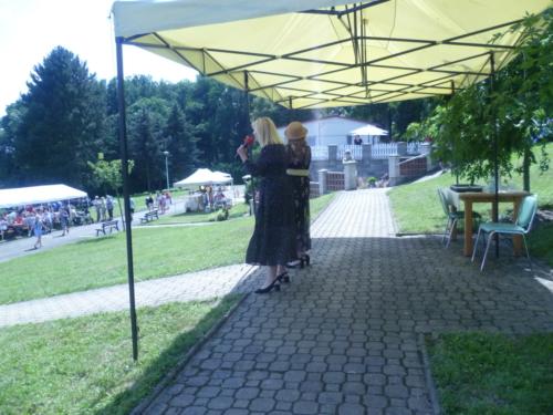 Hana Buštíková a Dana Vlková - DUO KAMELIE skvěle bavily všechny účastníky od 14 hod.